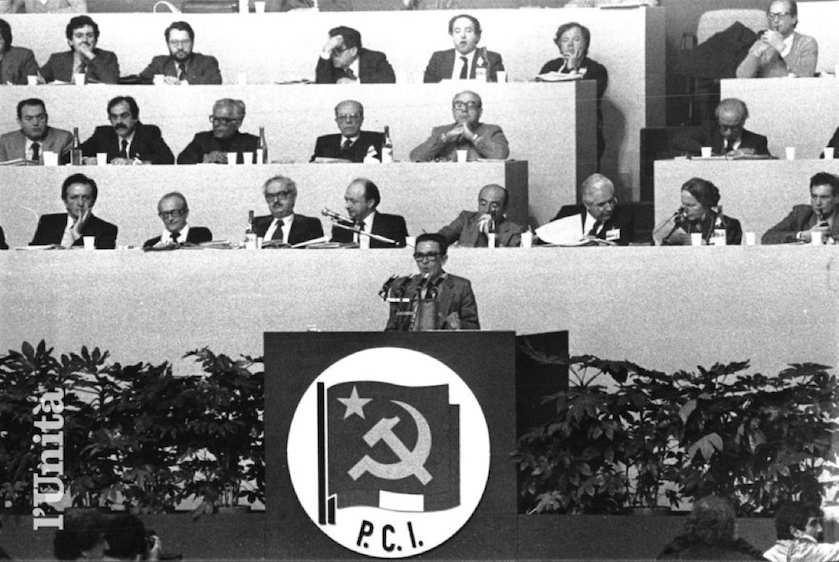 La relazione di Berlinguer al congresso.