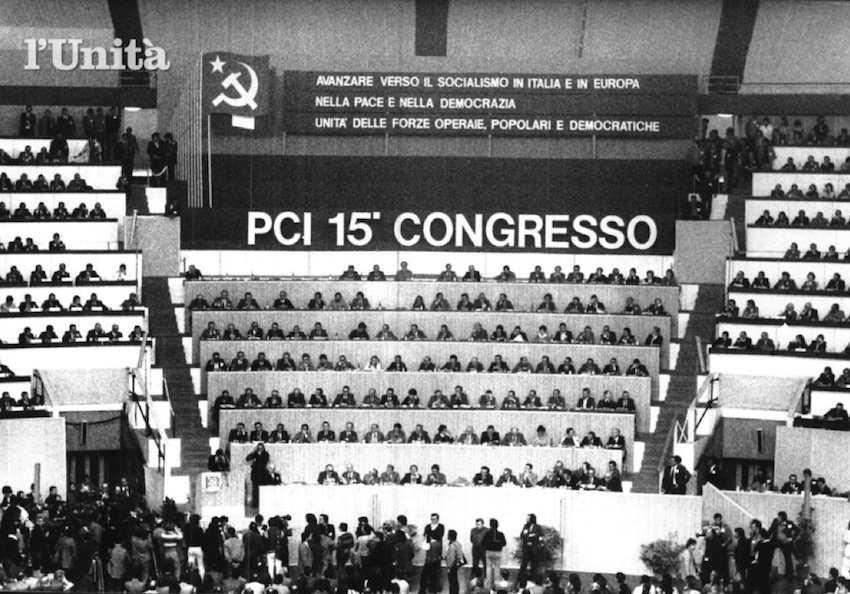 Il palco del XV congresso.