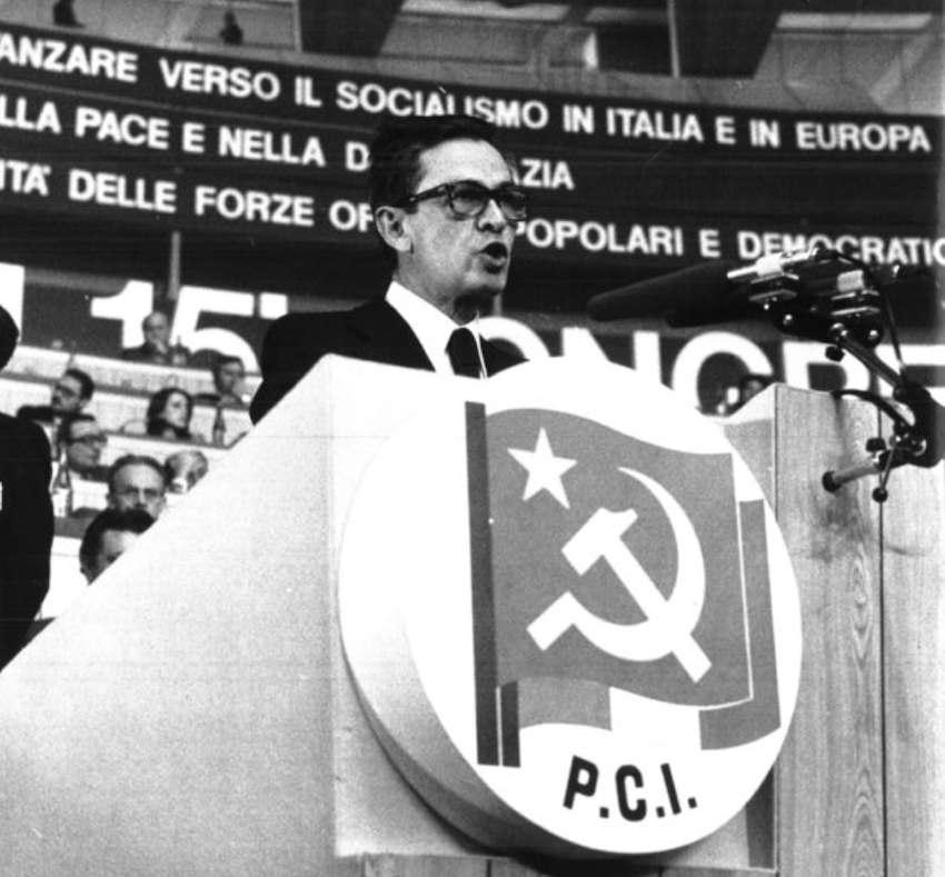 Berlinguer durante il suo intervento.